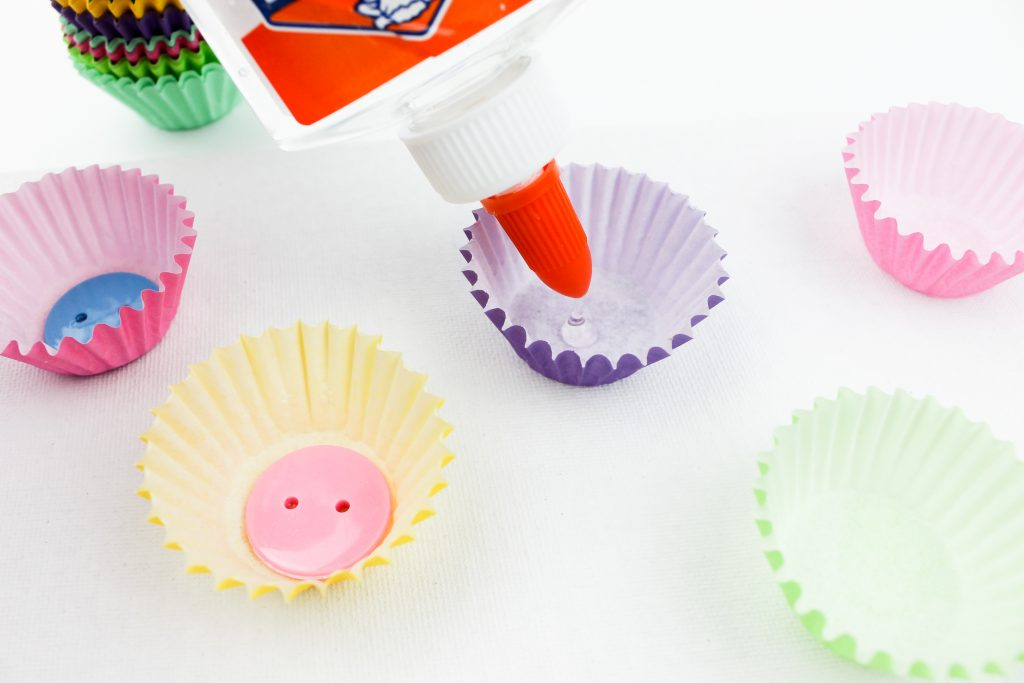 Glue Buttons Muffin Cups